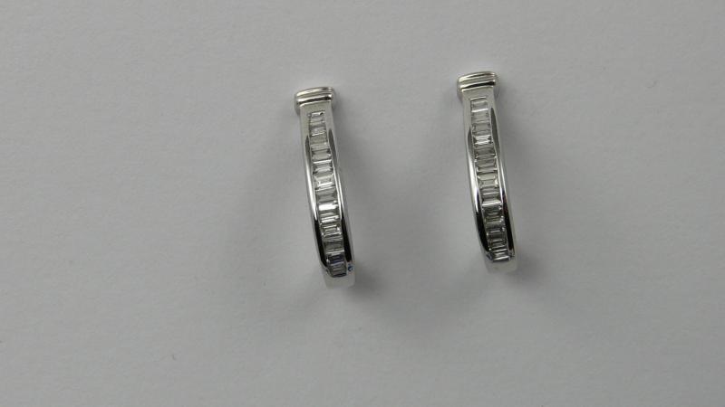 demi créoles or blanc Diamants baguette - Or   Bijoux Création Caen fcc147f1acba