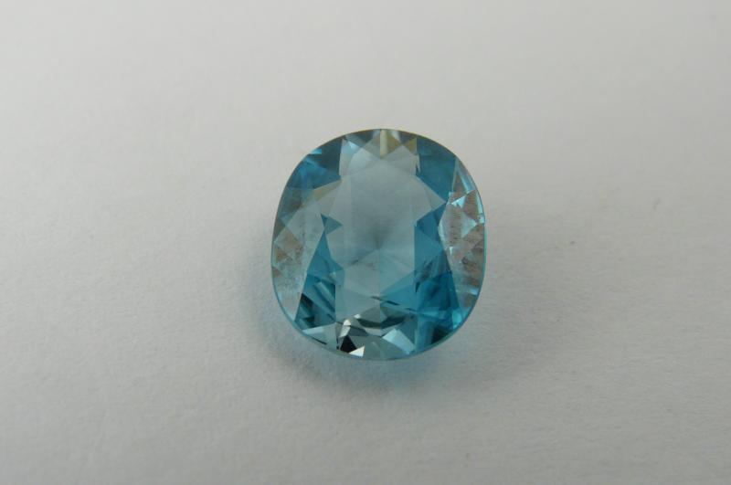 zircon bleu du cambodge pierres pr cieuses et pierres fines de couleurs bijoux cr ation caen. Black Bedroom Furniture Sets. Home Design Ideas
